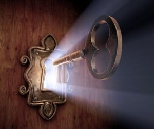 zamok-klyuch-otverstie-svet-dver
